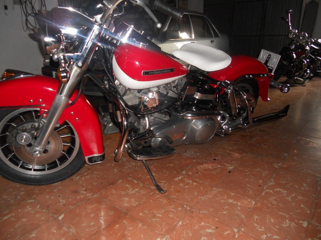 HD - FLH 1200 Electra-Glide de 1965