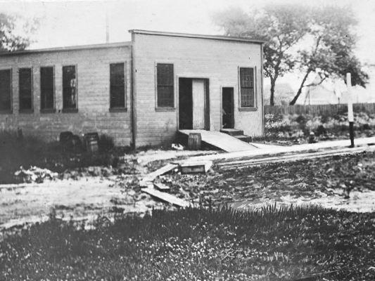 1906 - Ampliación de la fábrica en la Avenida Juneau