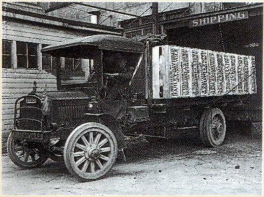 Varias unidades transportadas en camión