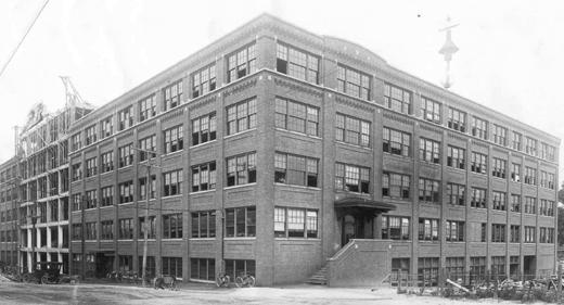 1913 - Obras terminadas