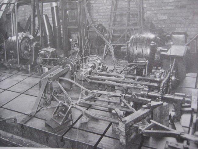 Máquina de torsión para fabricación de bastidores.