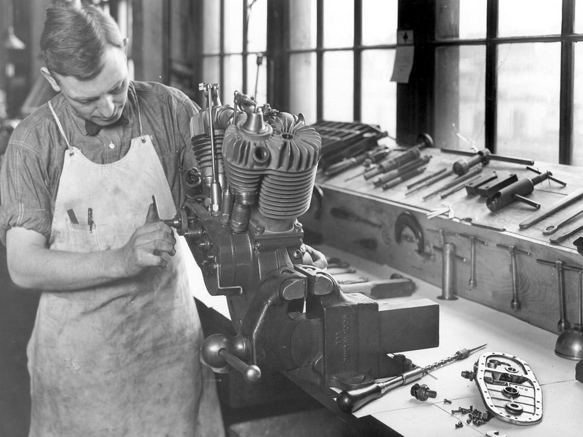 1930s - Montando un motor F-Head