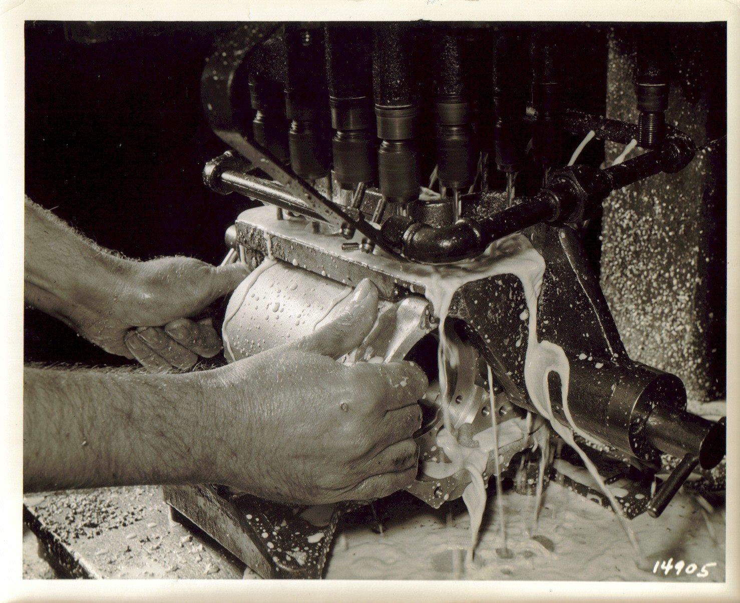 1939 - Troquelado de caja de cambios