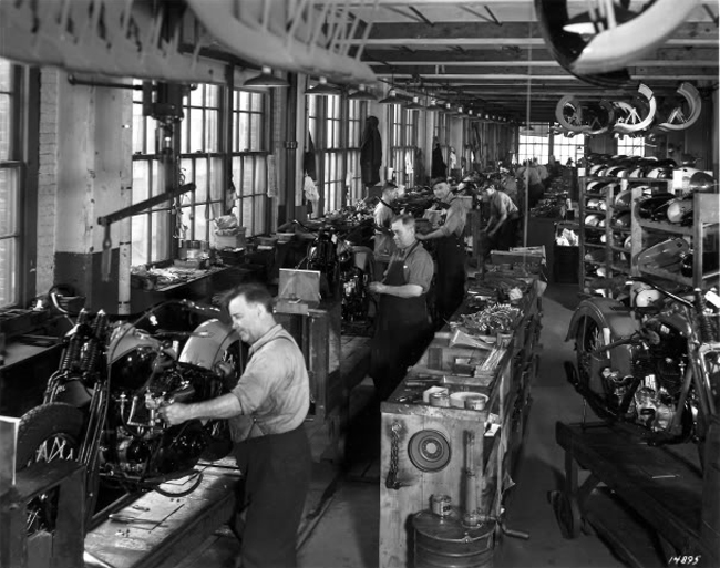 Línea de montaje en los años 40