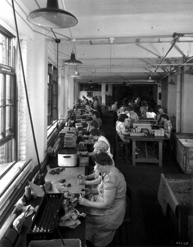 Fabricación de accesorios en los años 40