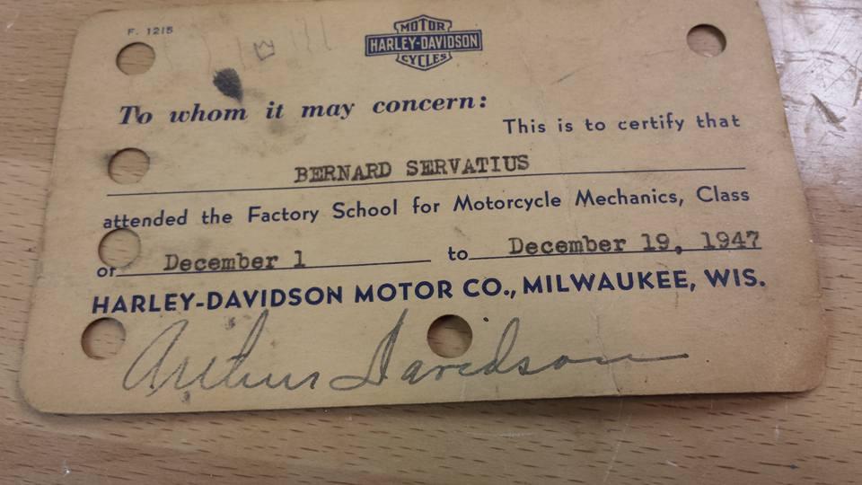 Certificado de la Escuela de Mecánicos de la fábrica del año 1947