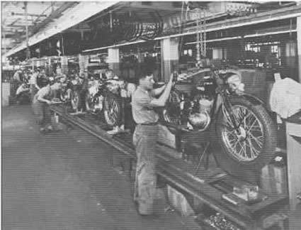 Línea de montaje del modelo 125 - Año 1947