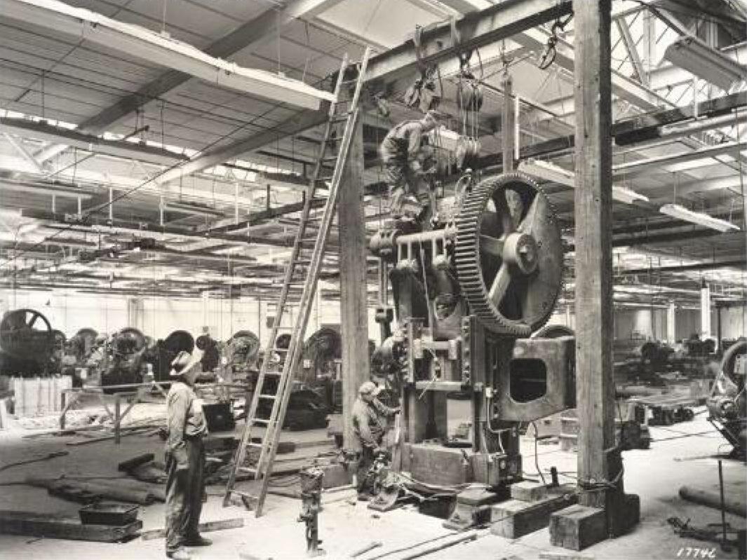 1947 - Instalación de una nueva prensa