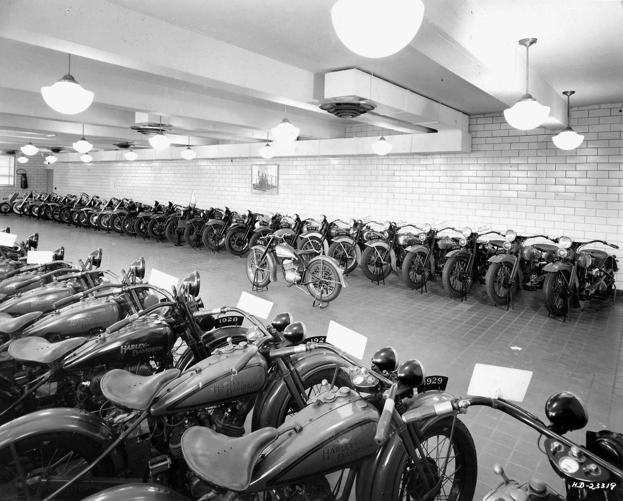 1958 - Posiblemente, el primer museo Harley-Davidson