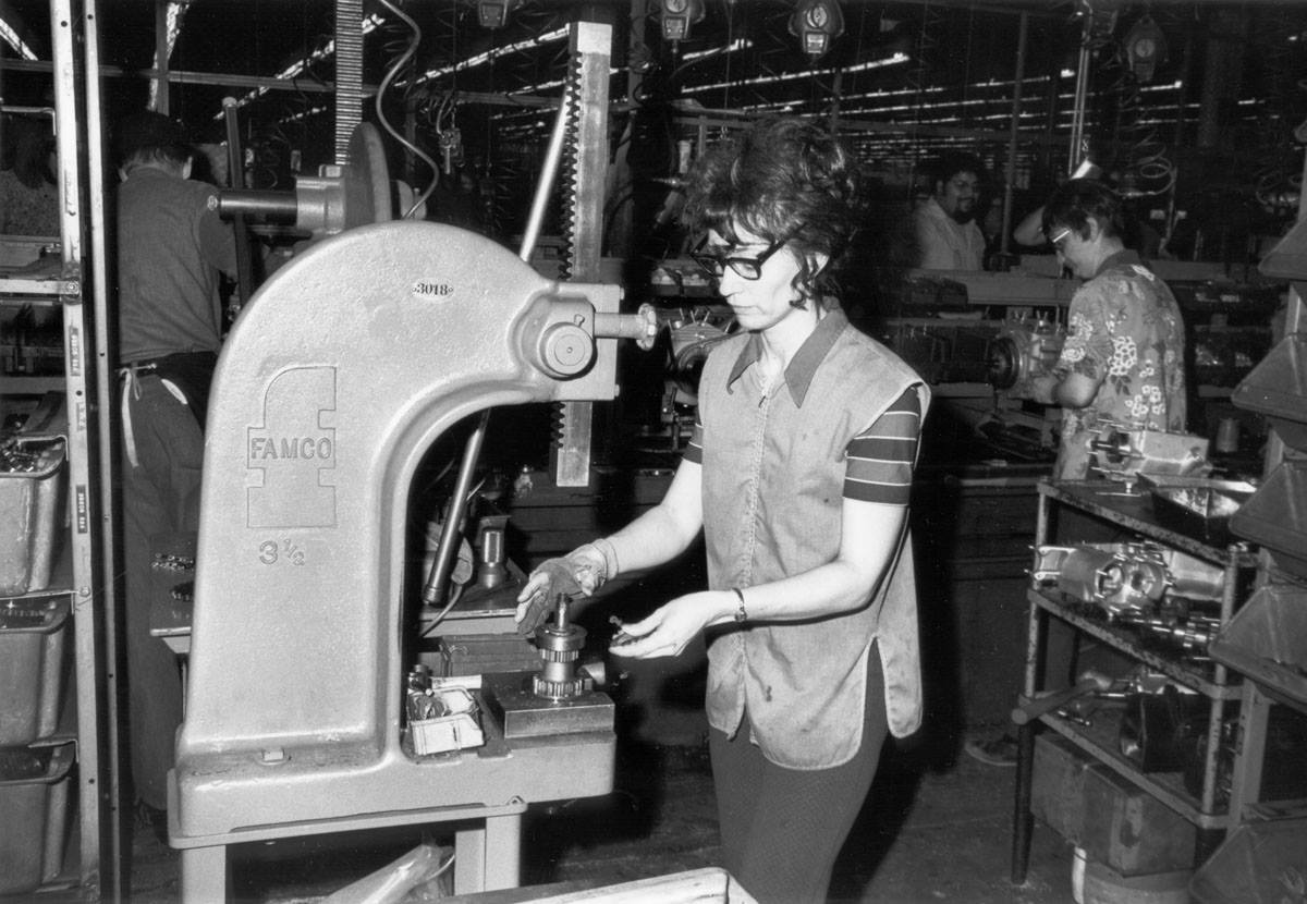 1974 - Prensa - Modelo FL