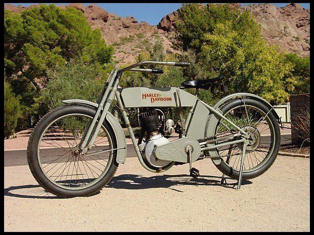 1913 Harley-Davidson 9B monocilíndrica