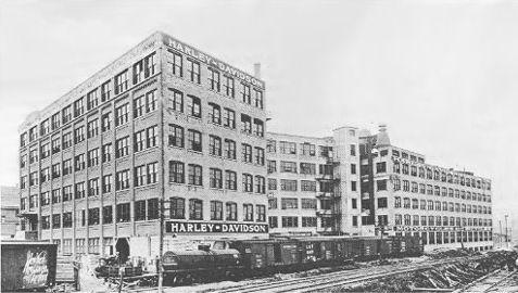 La fábrica en 1919 - Av. Juneau
