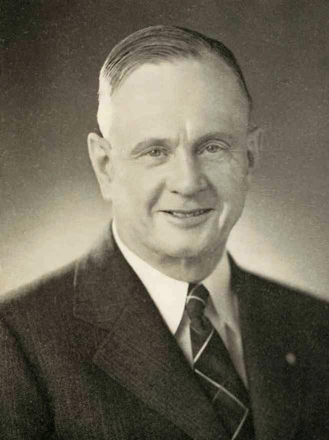 Arthur Davidson (años 30) Jefe de Ventas y Secretario