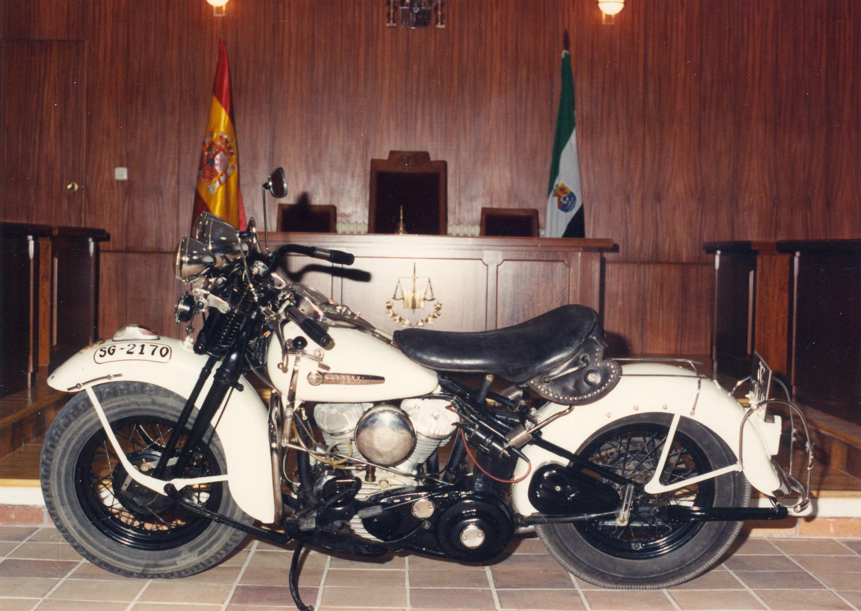 1990 - Harley-Davidson WL45 (Vista izda)