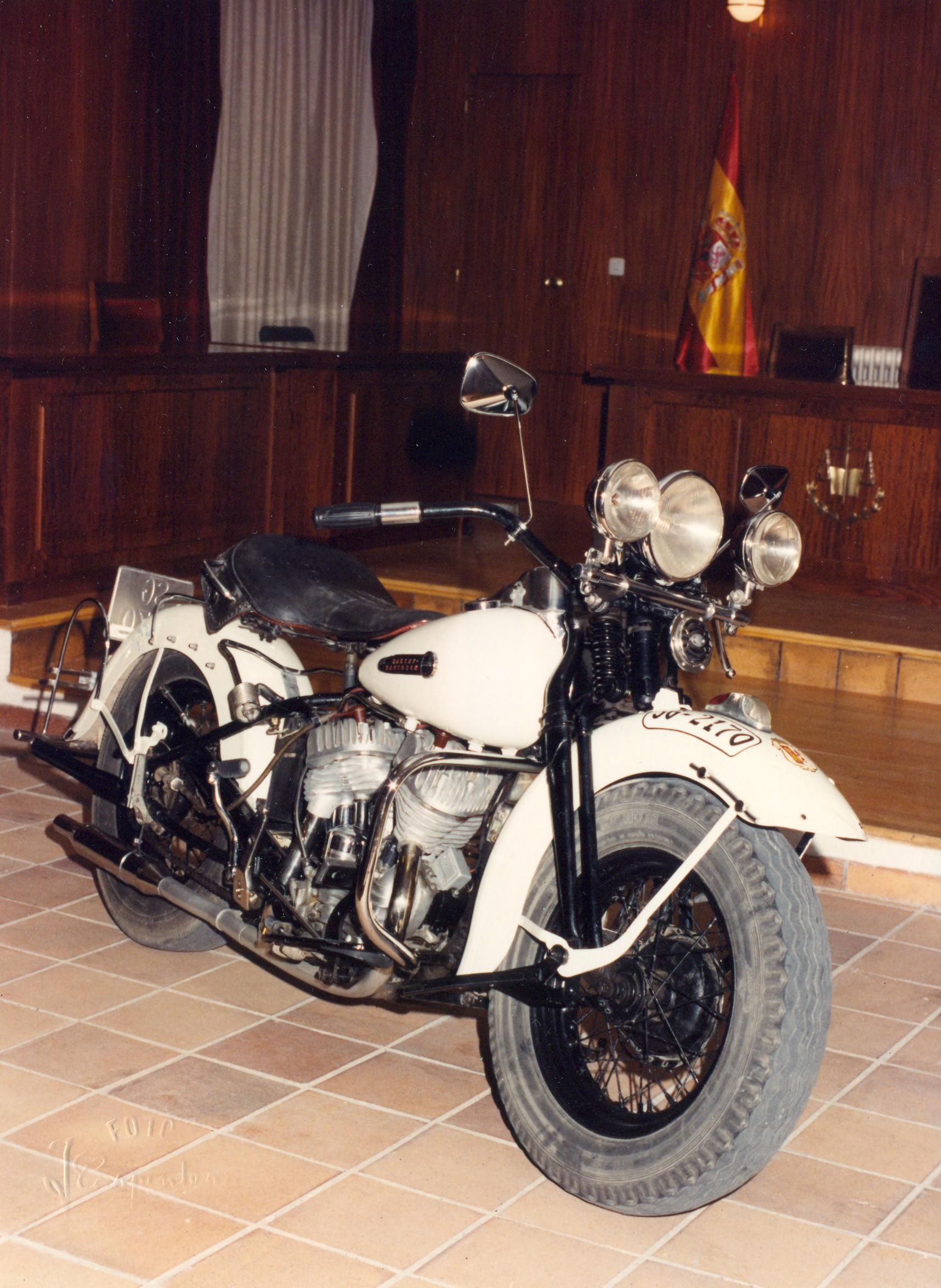 1990 - Harley-Davidson WL45 (Vista dcha)