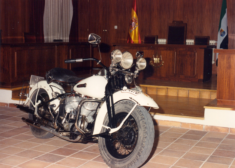 1990 - Harley-Davidson WL45 (Vista delantera)