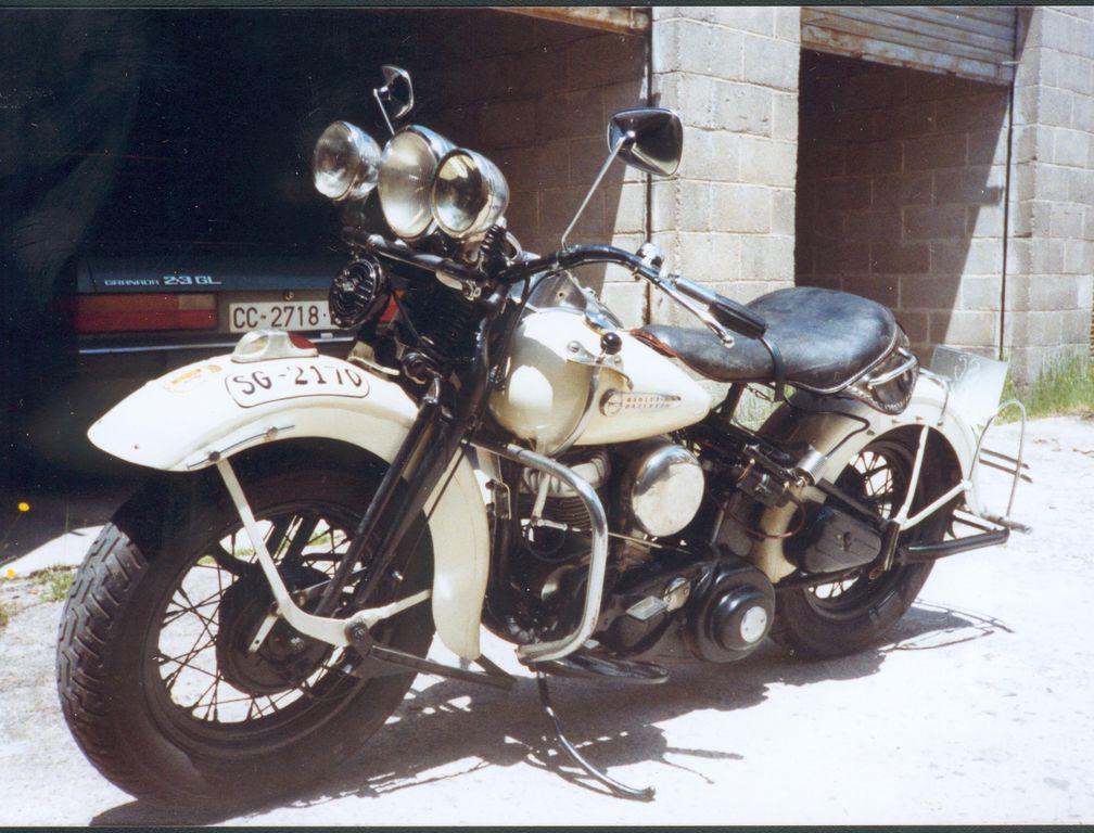 1995 Harley-Davidson en cochera