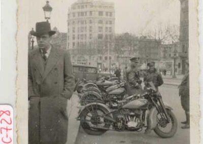 1930s-harley-davidson-Pza-Cataluña-Barcelona