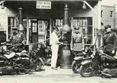 1930s-harley-davidson-cops-bikes