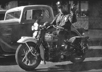 1930s-police-man