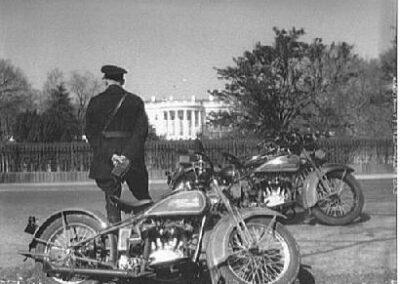 1940s-harley-davidson-capitolio