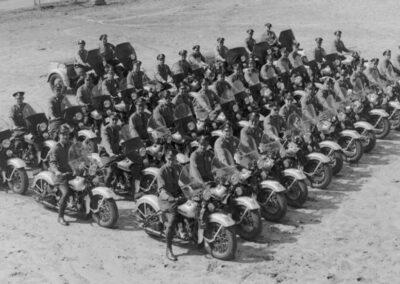1940s-harley-davidson-formacion-de-policias