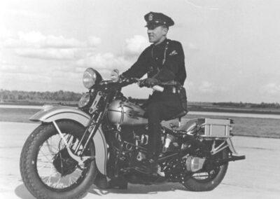 1940s-harley-davidson-policia-solo