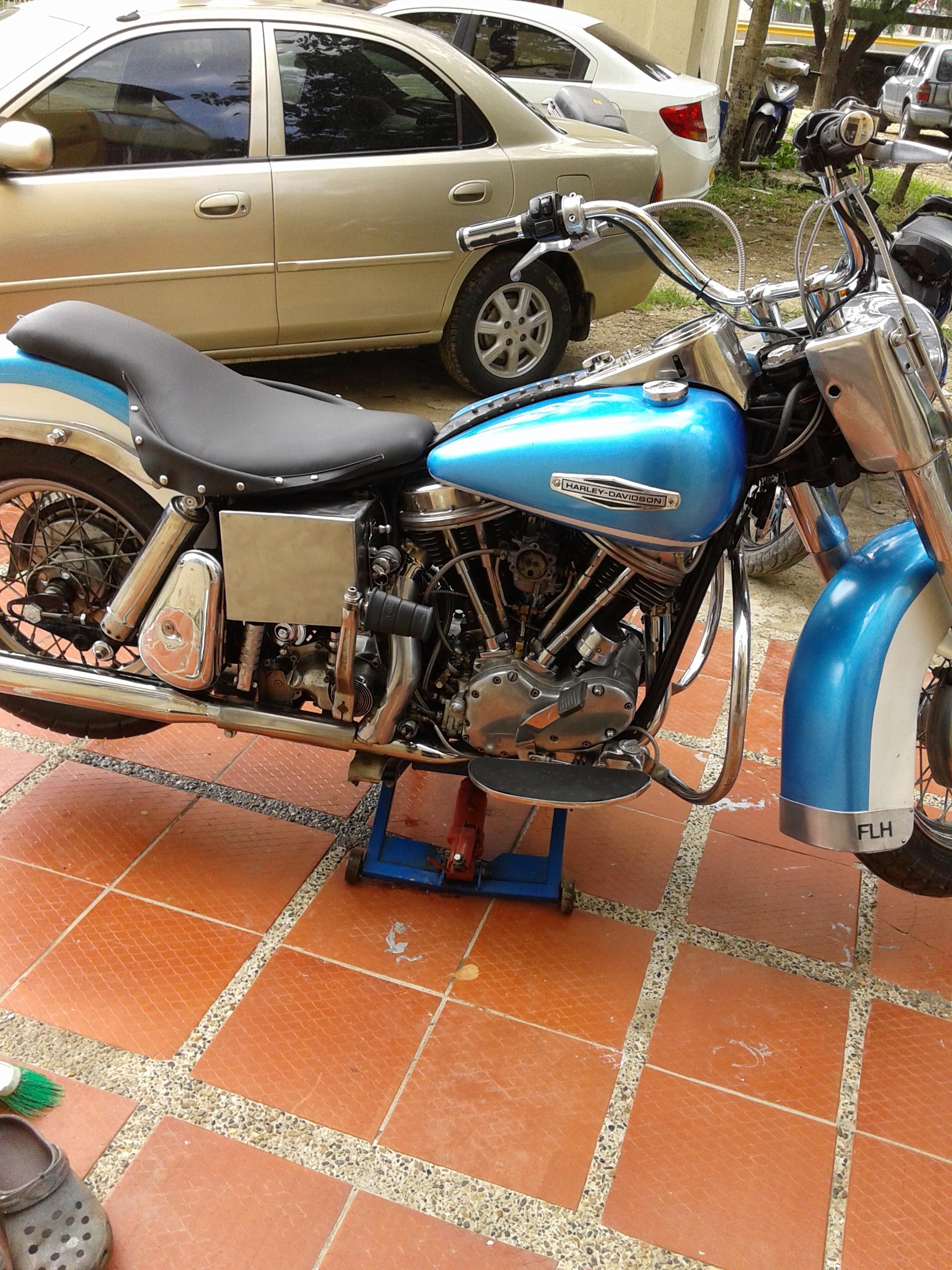 Elevador hidraúlico de tijera para motos - derecha