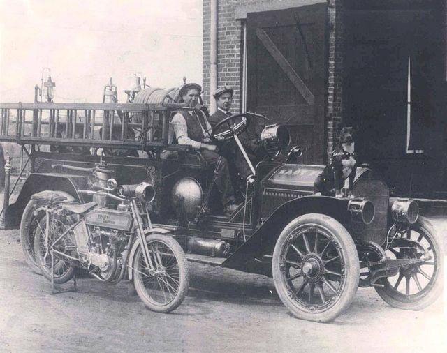 Otra Harley-Davidson en servicio de bomberos