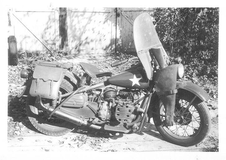 Con parabrisas, fusil y alforjas - Modelo XA