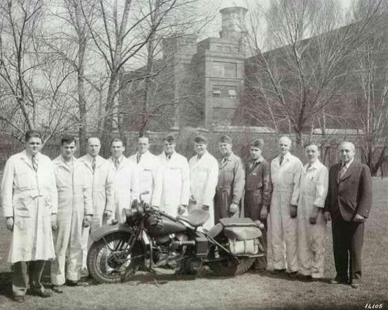 Escuela de mecánicos de la fábrica