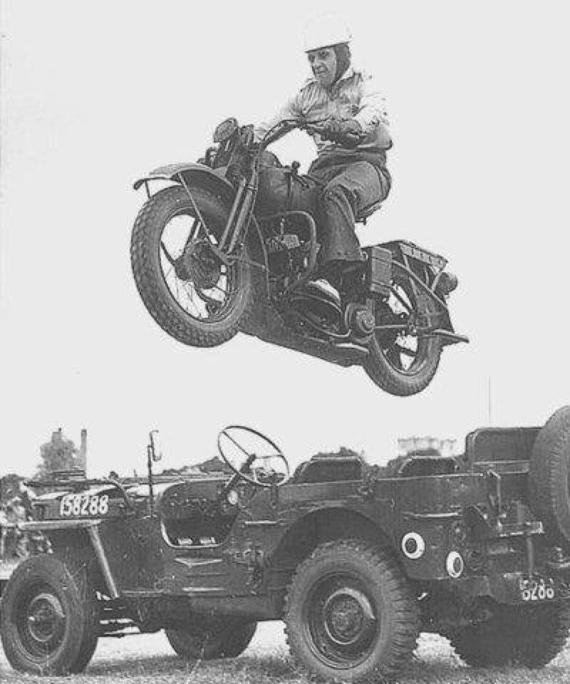 Saltando un Jeep