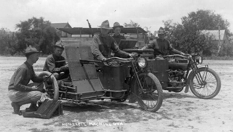 1919 - Ametralladora en sidecar