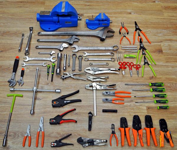 Algunos ejemplos de herramienta manual