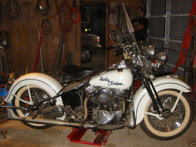 1947 FL Knucklehead - vista lado derecho