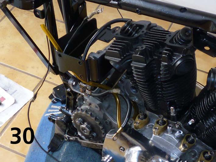 Detalle del motor en su cuna del chasis