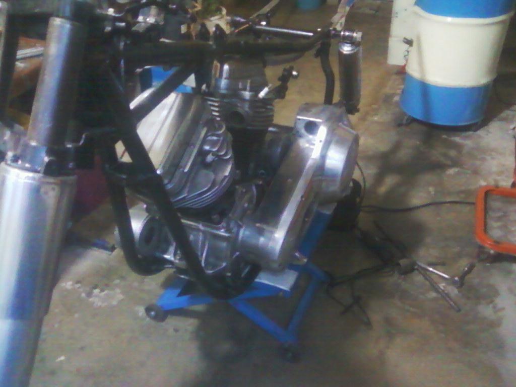 Instalación del motor en el chasis