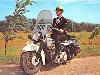Cronología de la policía en Harley-Davidson