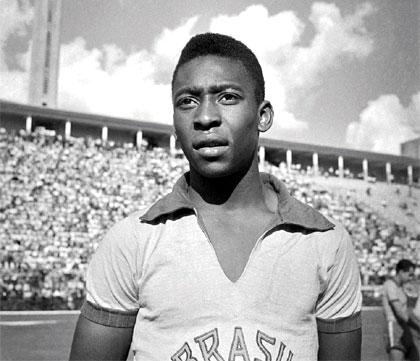 Nace el futbolista Pelé
