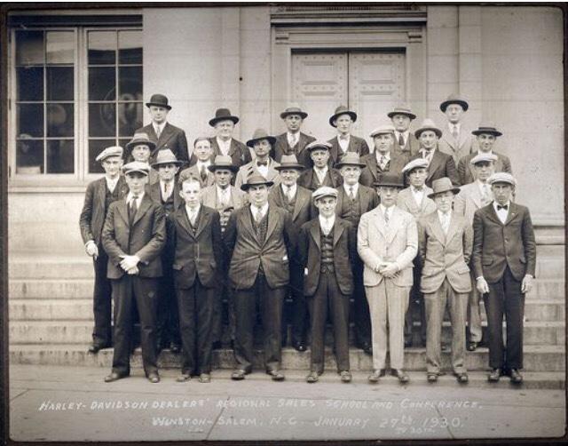1930 - Reunión de distribuidores