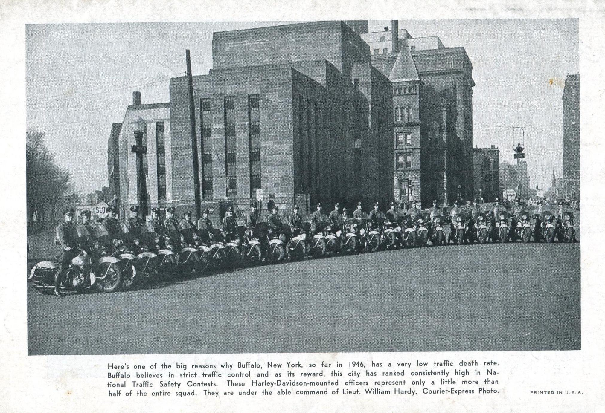 Formación de Knucklehead en Buffalo (New York - 1946)