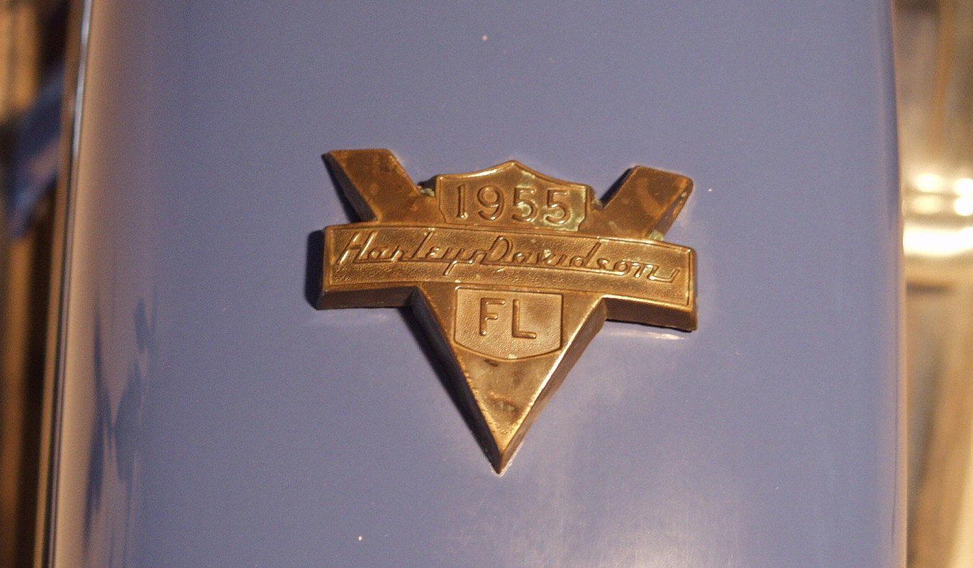 Emblema en el guardabarros delantero