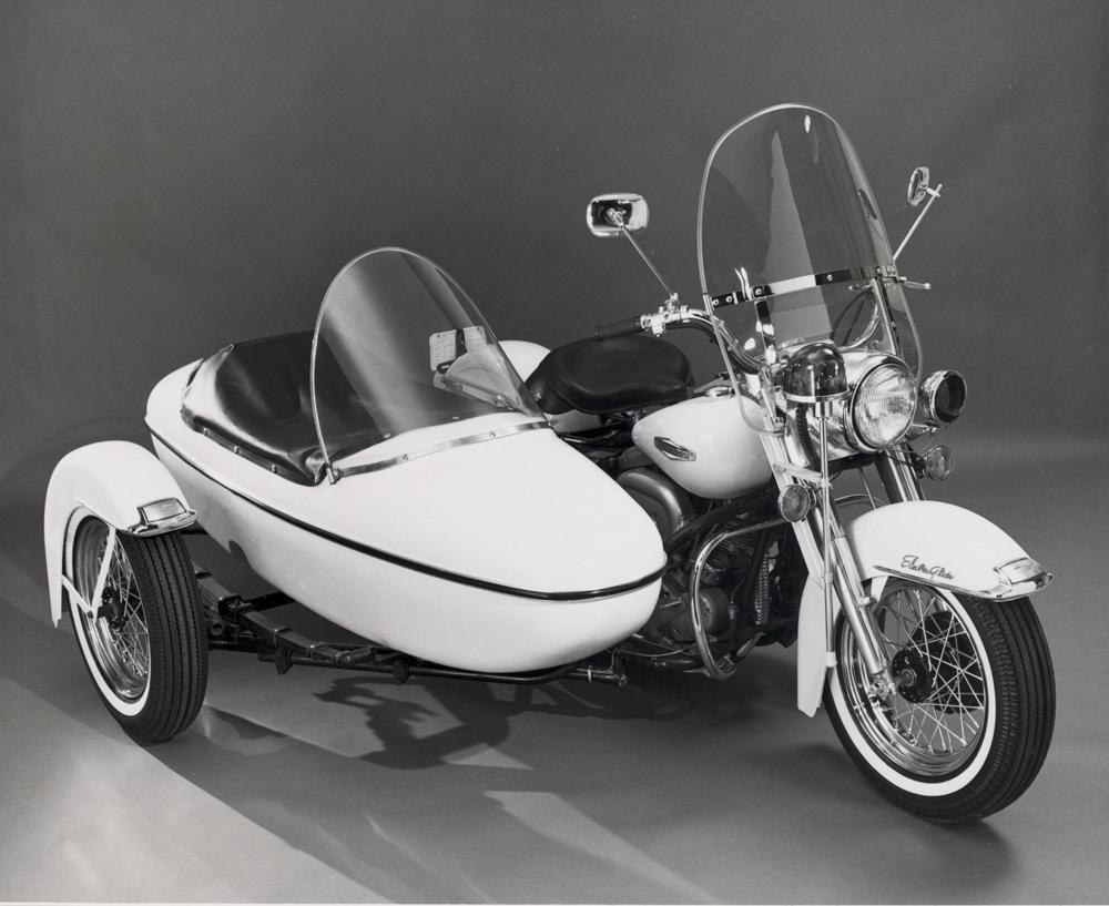 Modelo 68-FLH con sidecar para la policía