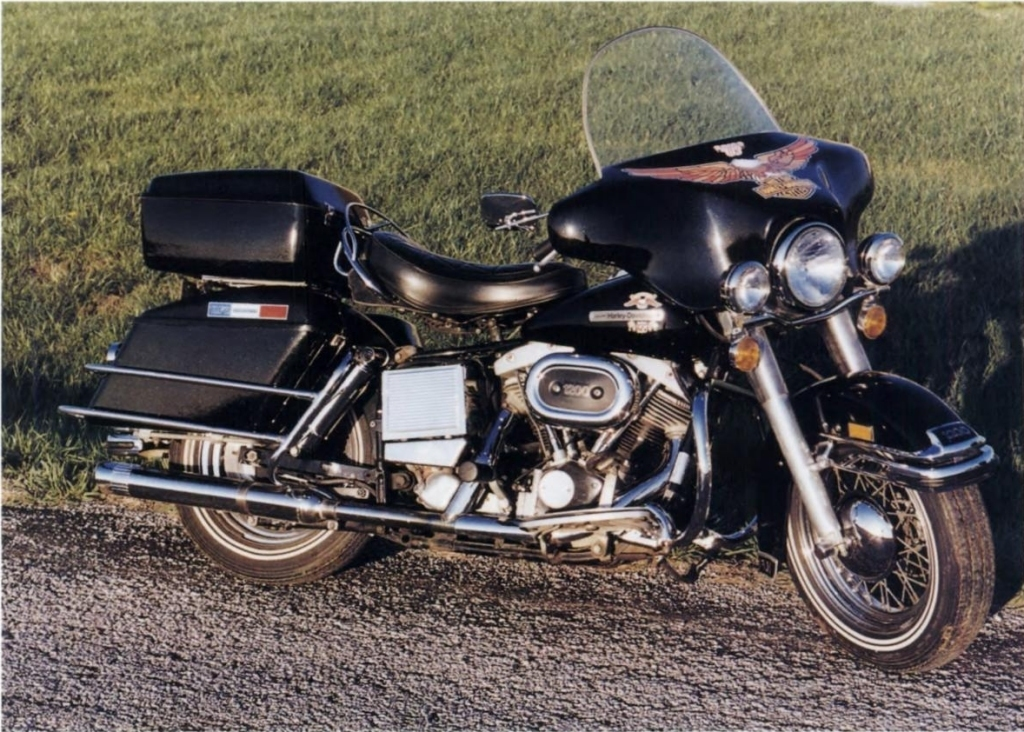 """Modelo FLH Electra Glide """"Liberty Edition"""" de 1976"""