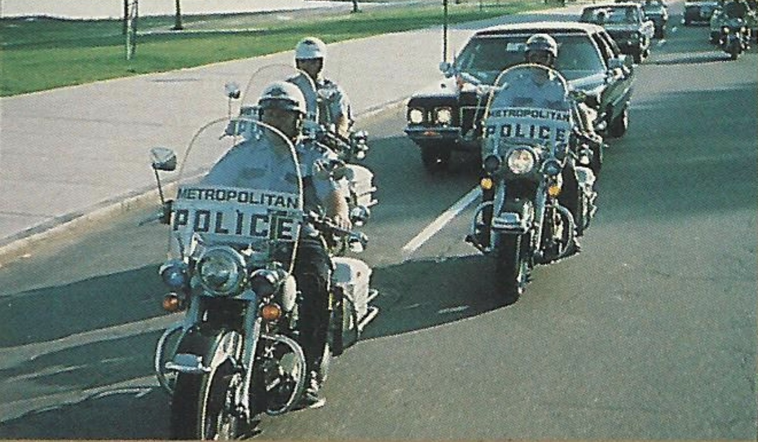 Misión de escolta - 1976