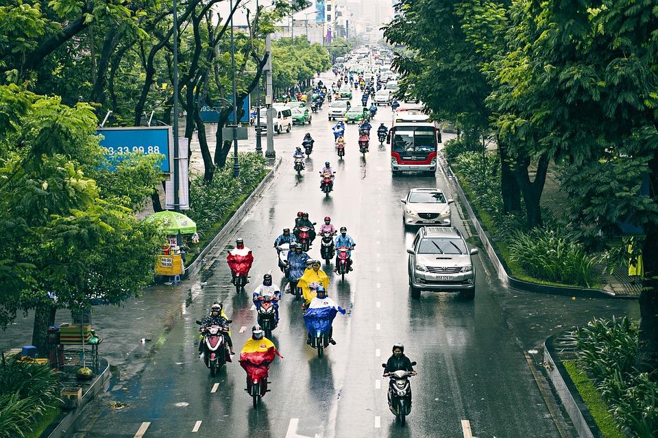Conducir motocicletas en ciudad