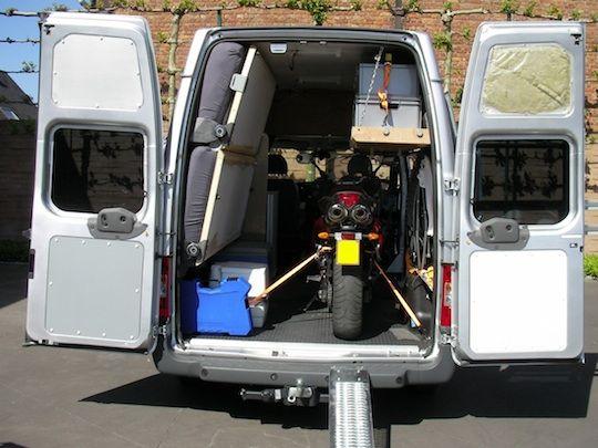 Robo de motos en furgoneta