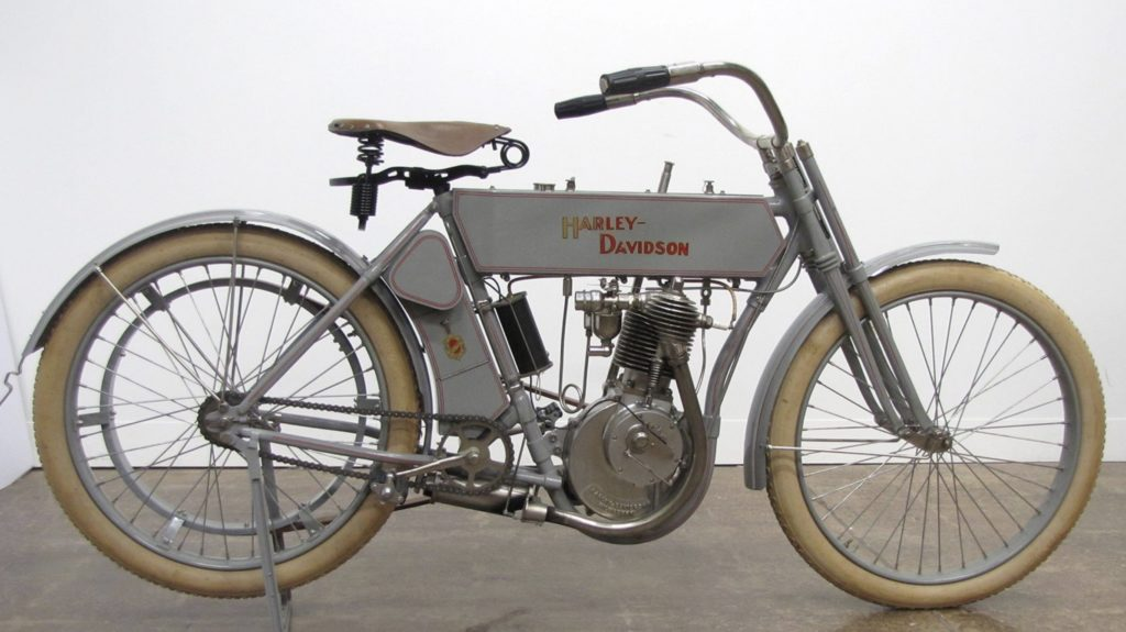 1910 - Harley-Davidson modelo 6 - Vista derecha