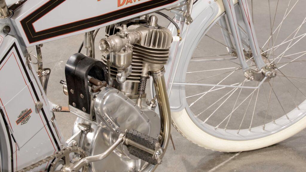 1912 - Harley-Davidson modelo 8A Magneto