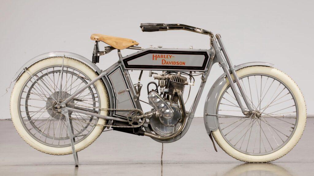 1912 - Harley-Davidson modelo 8A derecha